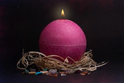 Mystic Barbara Kočková spirituální svíčka (růžová)