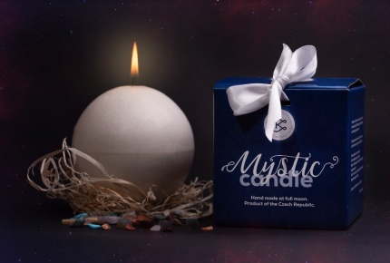 Mystic Barbara Kočková spirituální svíčka (bílá)